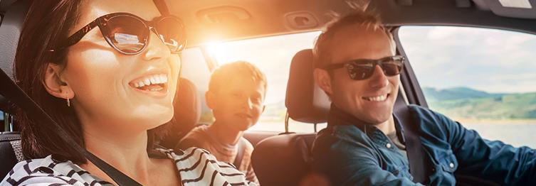 Sozinho, com os amigos ou com a família, as viagens de carro são uma ótima oportunidade para conhecer novos lugares! Saiba aqui como planejar um passeio seguro e confortável.