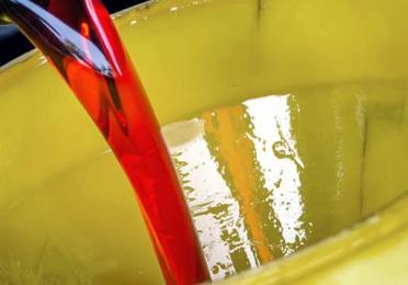 Dúvidas sobre o que é o óleo ATF? Conheça mais sobre as características do óleo e os tipos de ATF existente.