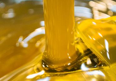 Conheça os principais tipos de graxa do mercado e seus usos práticos.
